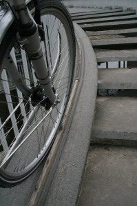27apr08 fietshulp