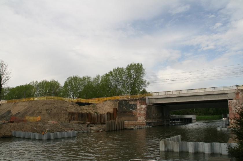 27apr08 Sneppebrug werf tweede brug