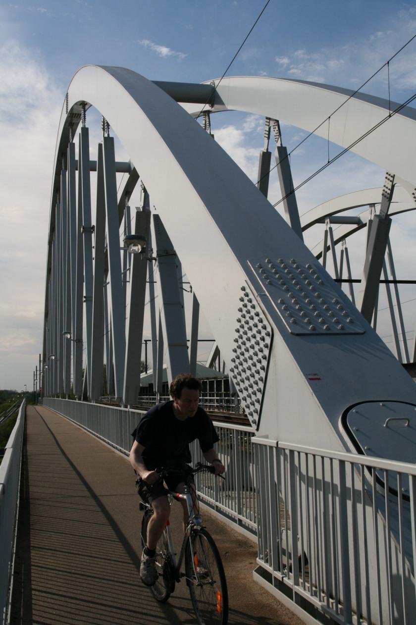 27apr08 Spoorbrug Ringvaart