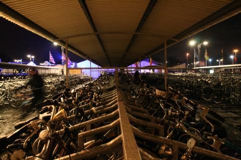 23nov08 18u11 Stationsplein Brugge