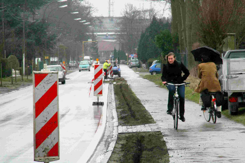 04ma09, 12u36, Langerbruggestraat, Evergem