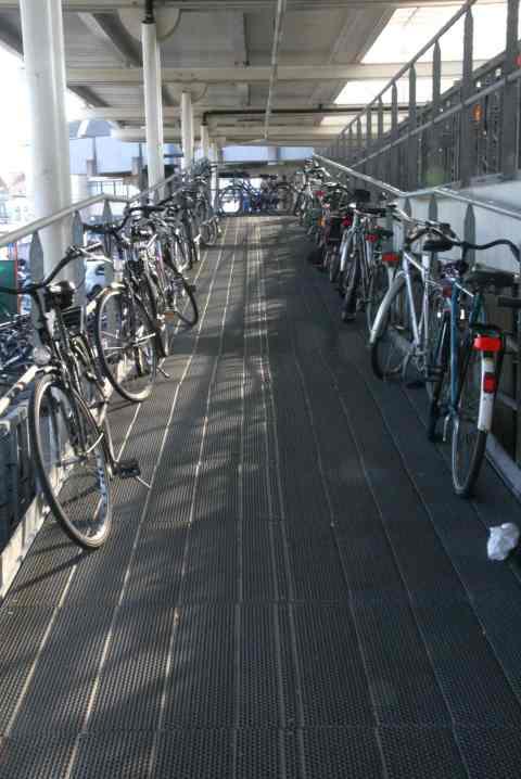 16mrt09, 14u, station Oostende