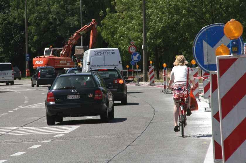 24jun09, 12u24, Antwerpsesteenweg / Nieuwelaan