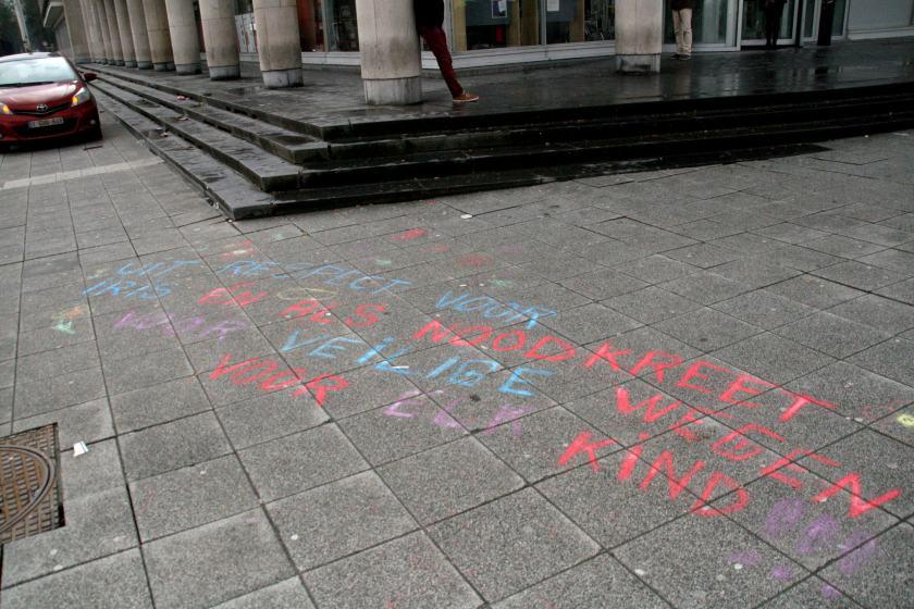 11feb13, 12u39, Woodrow Wilsonplein / Graaf Van Vlaanderenplein