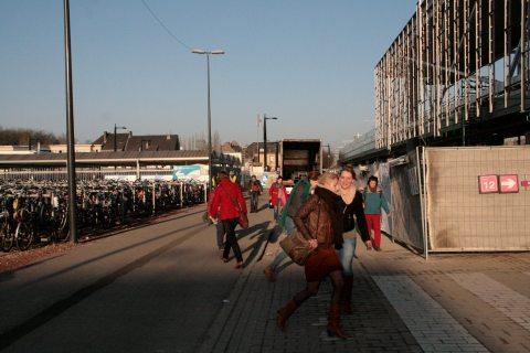 05maa13, 08u33, Sint-Denijslaan