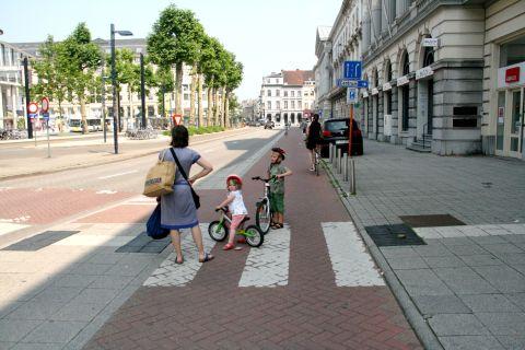 06jul13, 11u20, Graaf Van Vlaanderenplein