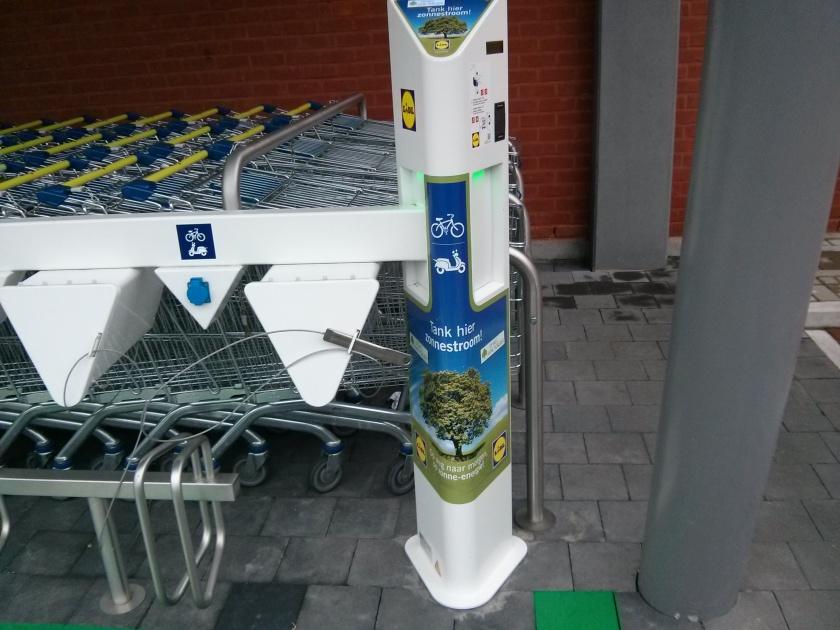 09/08/2013, parking Lidl Brugse Steenweg