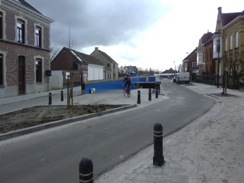 4feb04, 15u22, Drongenstationstraat