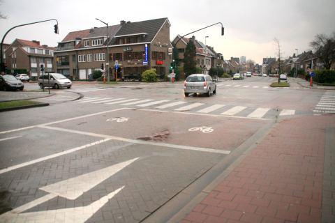 01maa14, 17u12, Koolmeessttraat / De Pintelaan