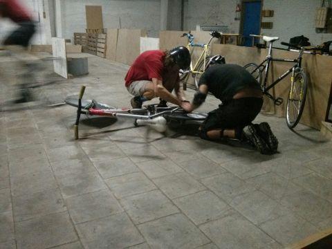 Bikepolo training, Meubelfabriek, 8-8-2014