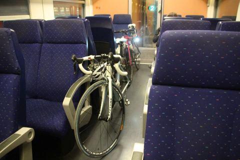 18okt14, 22u35, trein Brugge-Gent