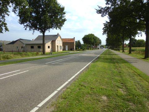07aug15, 17u37, N251/N410, Nederland