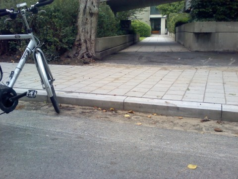Toegang naar fietsstalling